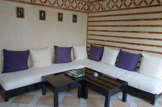 Riad Magellan: First floor couches