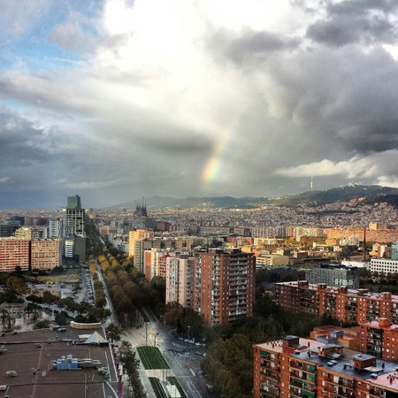 Barcelona Princess: Stormy morning, watched thunderstorm from bed on 22nd floor!