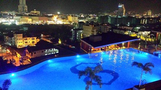 The Senses Resort & Pool Villas: View of Patong