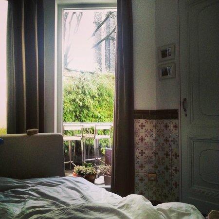 B&B Atelier 20: vue du lit
