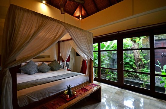 Mango Tree Villas: Room