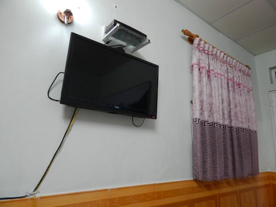 Avi Airport Hotel: Cable TV