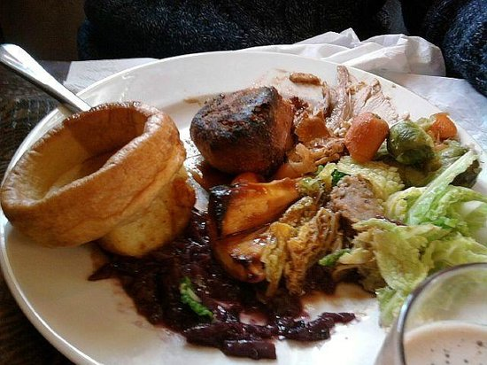 The Trent Lock: The black lump in the middle of the plate is a roast potato :-(