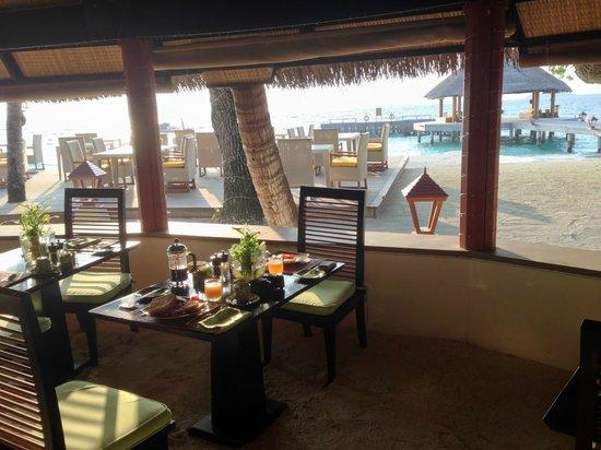 Angsana Ihuru : Restaurant Petit déjeuner