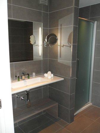 كازينو هوتل: Salle de bains
