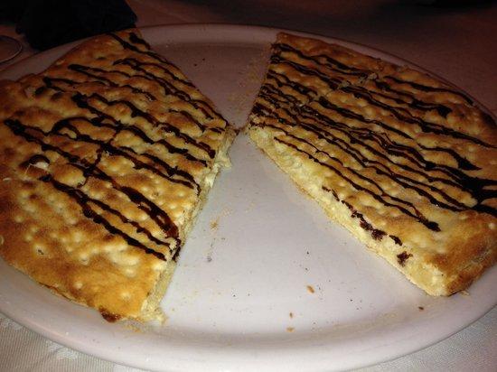 La Pizzoleria Ortigia: Pizzolo dolce con cioccolato bianco..