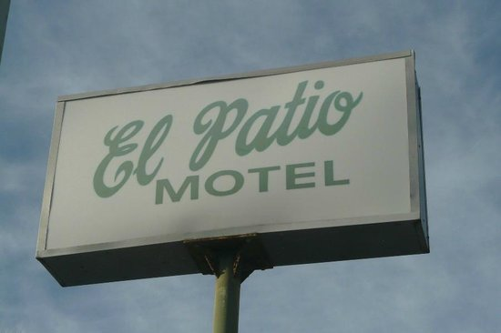 El Patio Motel sign