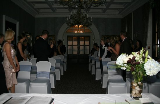 Oulton Hall & Spa: Repton Room for wedding cermony
