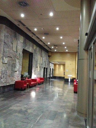 ILUNION Alcalá Norte: Spazi comuni vicino alla reception