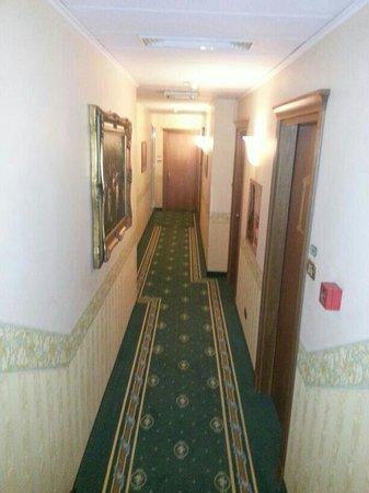 Hotel Colonna: corridoio