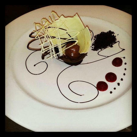 Wingham, Australia: Bent on Food chocolate plate