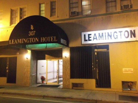 Leamington Hotel: The hotel entrance