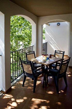 Apartamentos Golf Place: terraza del apartamento