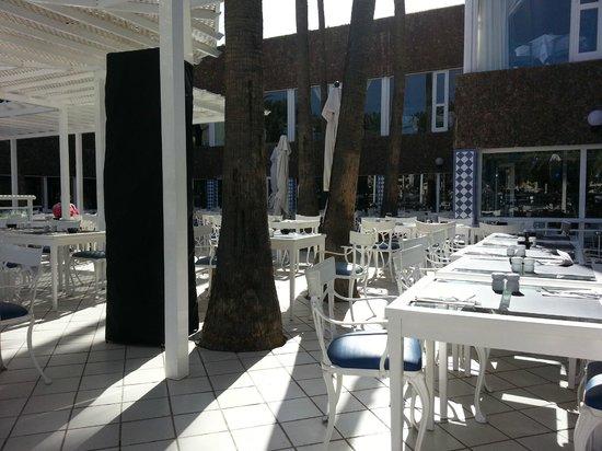 Hotel Riu Palace Oasis : Restaurant Außenbereich