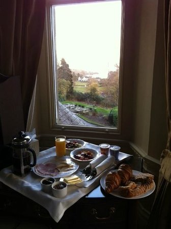 Merewood Country House Hotel: View of our breakfast and lake Windermere. Not sure which is more enticing...