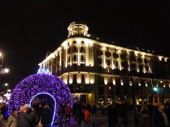 Hotel Bristol, a Luxury Collection Hotel, Warsaw : weihnachtliche Außenansicht