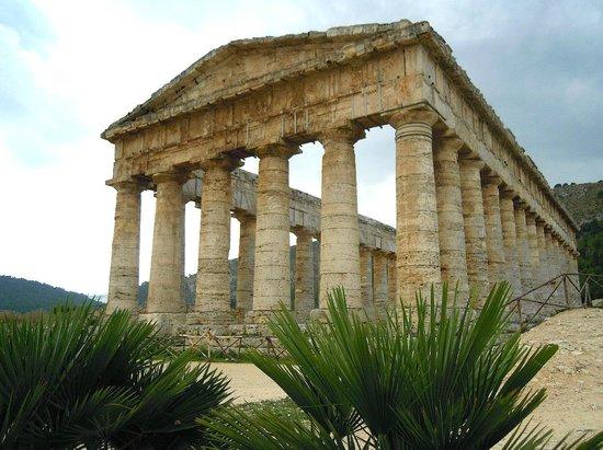 Tempio di Segesta (Tempio Influenza Greca): Tempio dorico