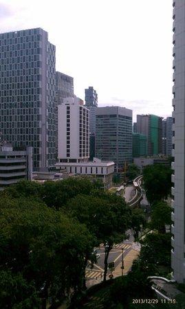 Shangri-La Hotel Kuala Lumpur: view from 10th floor room overlooking Jalan sultan ismail