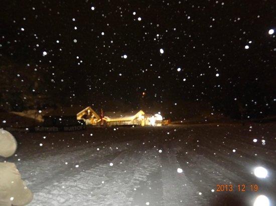 Le Michet : féerie du restaurant sous la neige