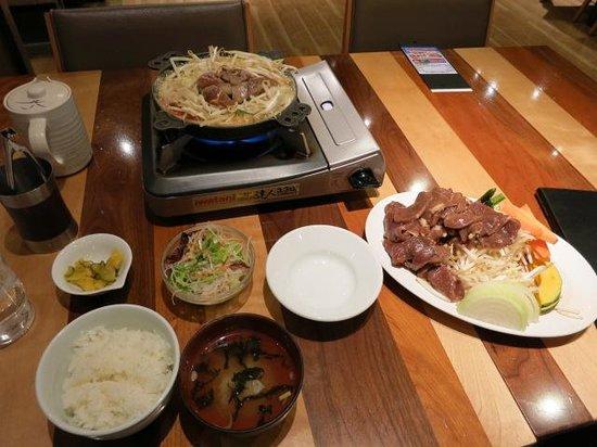 Matsuo Genghis Khan New Chitose Airport : 特ラムセットと追加肉2人前