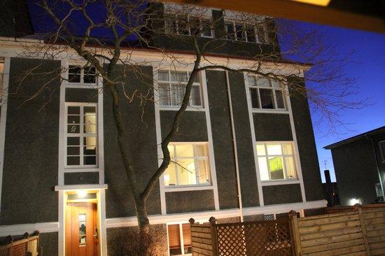 Hansen Apartments: The Hansen apartment