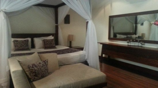 Karma Jimbaran: King size bed with mosquito nets