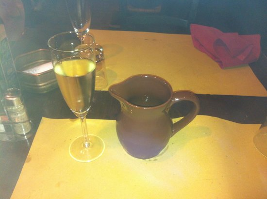 Osteria del Lupo Nero : Need some prosecco after the spicy mussels