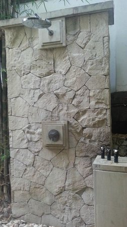 Karma Jimbaran: Outside Shower