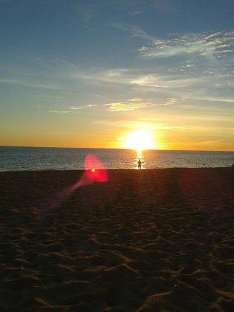 Dom José Beach Hotel : Beautiful sunset on the beach