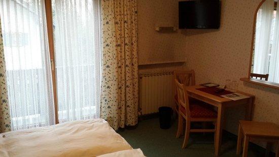 Pension B & B Helmhof: camera da letto