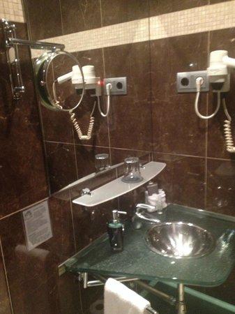 Hotel Constanza Barcelona : Bathroom