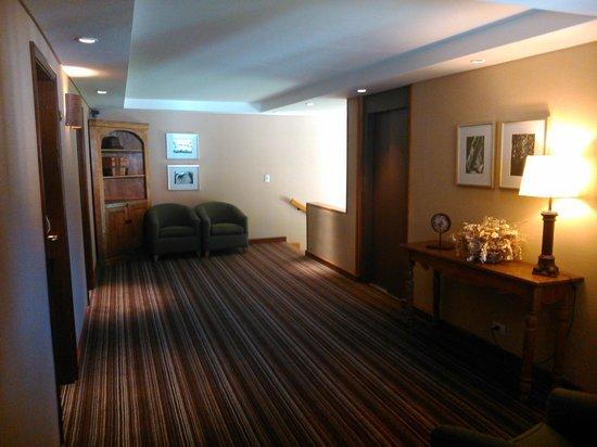 Hotel Mirador del Lago: pasillos del hotel