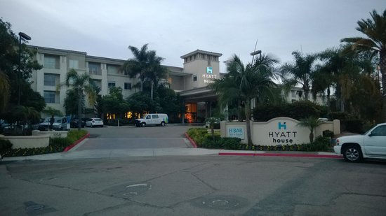 HYATT house San Diego/Sorrento Mesa: Outside view