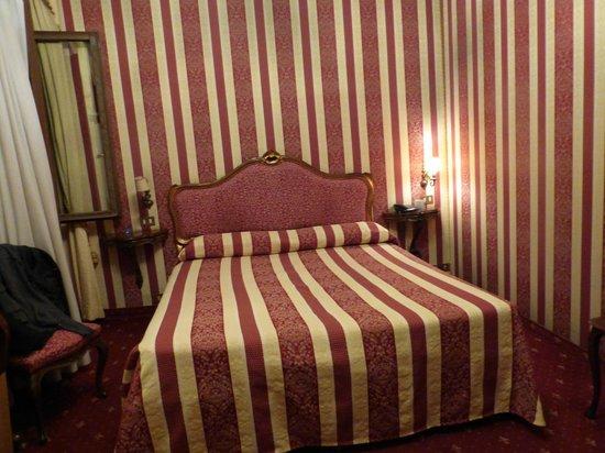 Centauro Hotel : Vue de la Chambre face à la porte