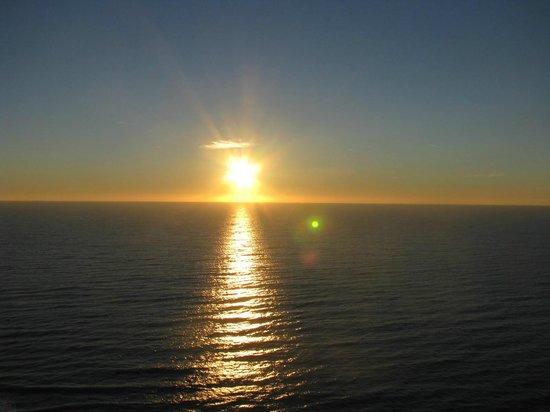 Paradise Resort: Sunrise 2.day