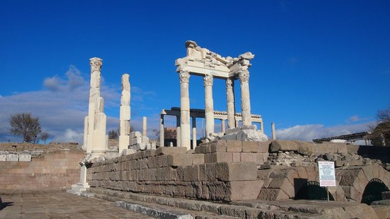 Istanbulday- Private Day Tours: Hierapolis Ancient City Ruins