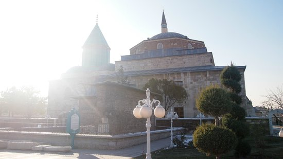 Istanbulday- Private Day Tours: Mevlana Museum