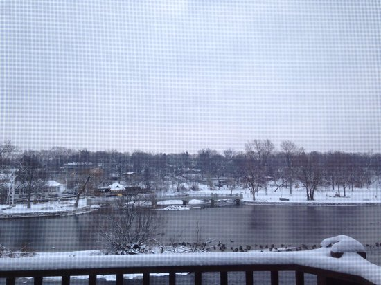 The Herrington Inn & Spa: Winter morning lake view