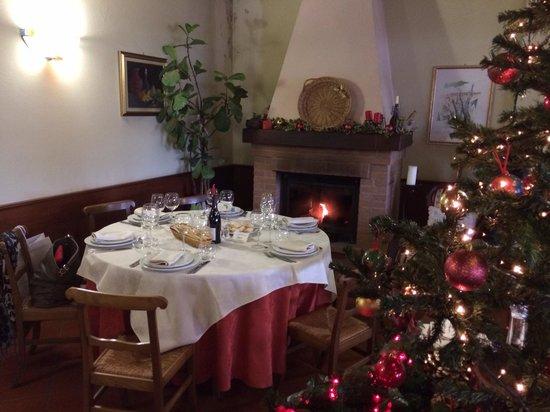 Agriturismo Ca d'Linet: Pranzo di Natale accanto al caminetto
