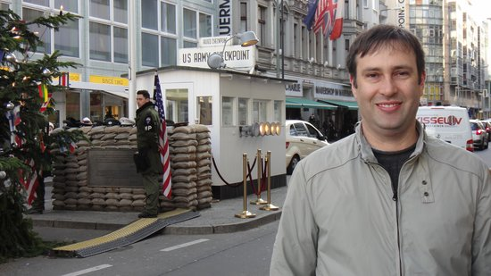 ONE80° Hostels Berlin: Checkpoint Charlie