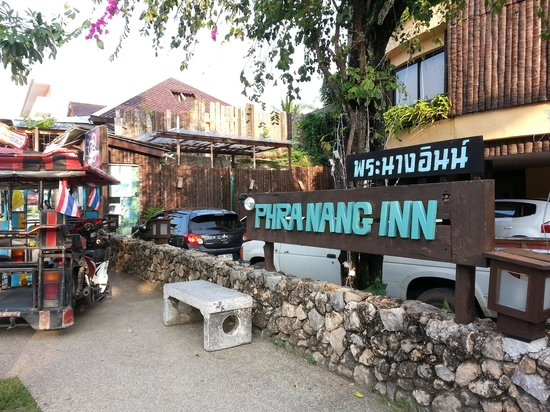 Phra Nang Inn: Excellent location.