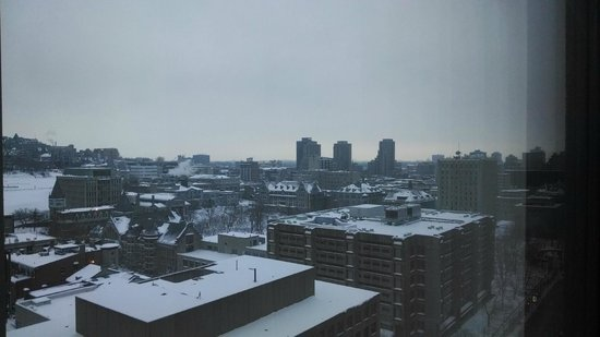 Hotel Omni Mont-Royal : View from 17th floor, winter