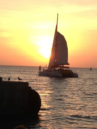 Ambrosia Key West Tropical Lodging : Sunset at Mallory Square