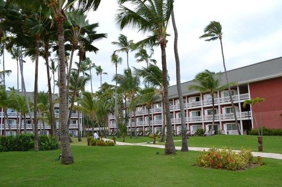 Barcelo Bavaro Beach - Adults Only: Уютная территория нашего отеля