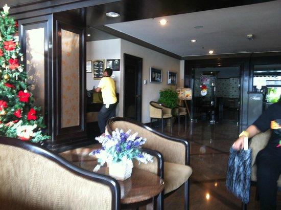 Mimosa Hotel: Lobby Area