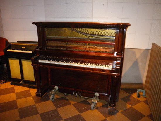 RCA Studio B: Historical piano
