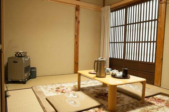 Kanjiya: room