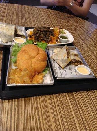 Brasas sm aura taguig city restaurant reviews photos for Aura global cuisine