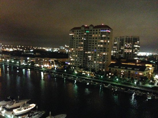 Tampa Marriott Waterside Hotel & Marina : Balcony View