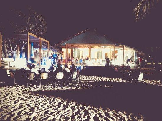 Tropical Princess Beach Resort & Spa: snack bar